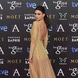 Úrsula Corberó presume de vestido en los Goya 2015