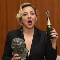Carmen Machi celebra su Goya 2015 con champán