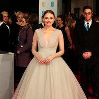 Laura Haddock en los BAFTA 2015