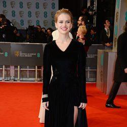 Alice Eve en la alfombra roja de los BAFTA 2015
