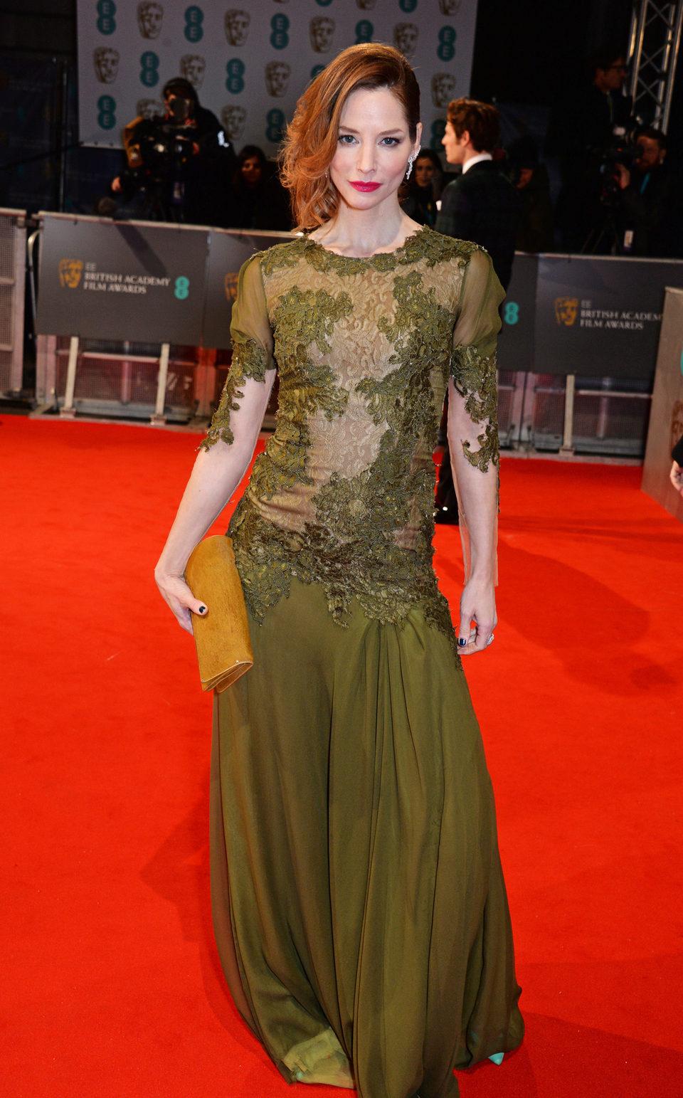Sienna Guillory en los Premios BAFTA 2015