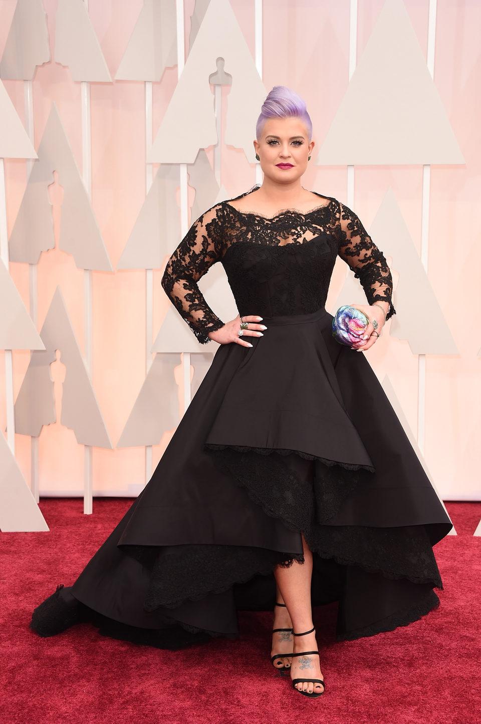 Kelly Osbourne en la alfombra roja de los Oscar 2015