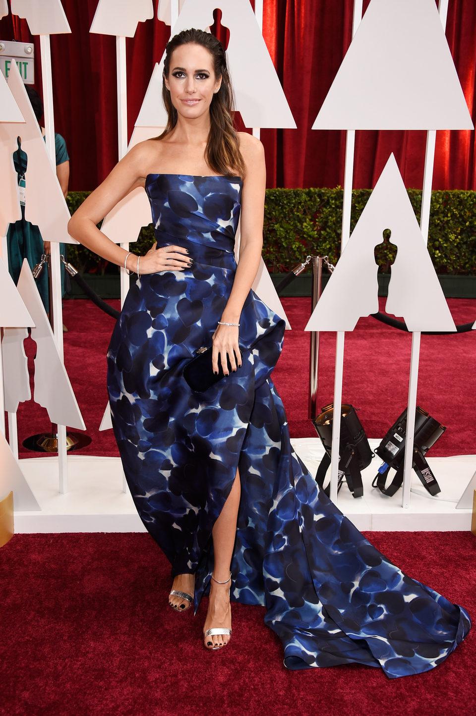 Louise Roe en la alfombra roja de los Oscar 2015