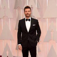 Ryan Seacrest en la alfombra roja de los Oscar 2015