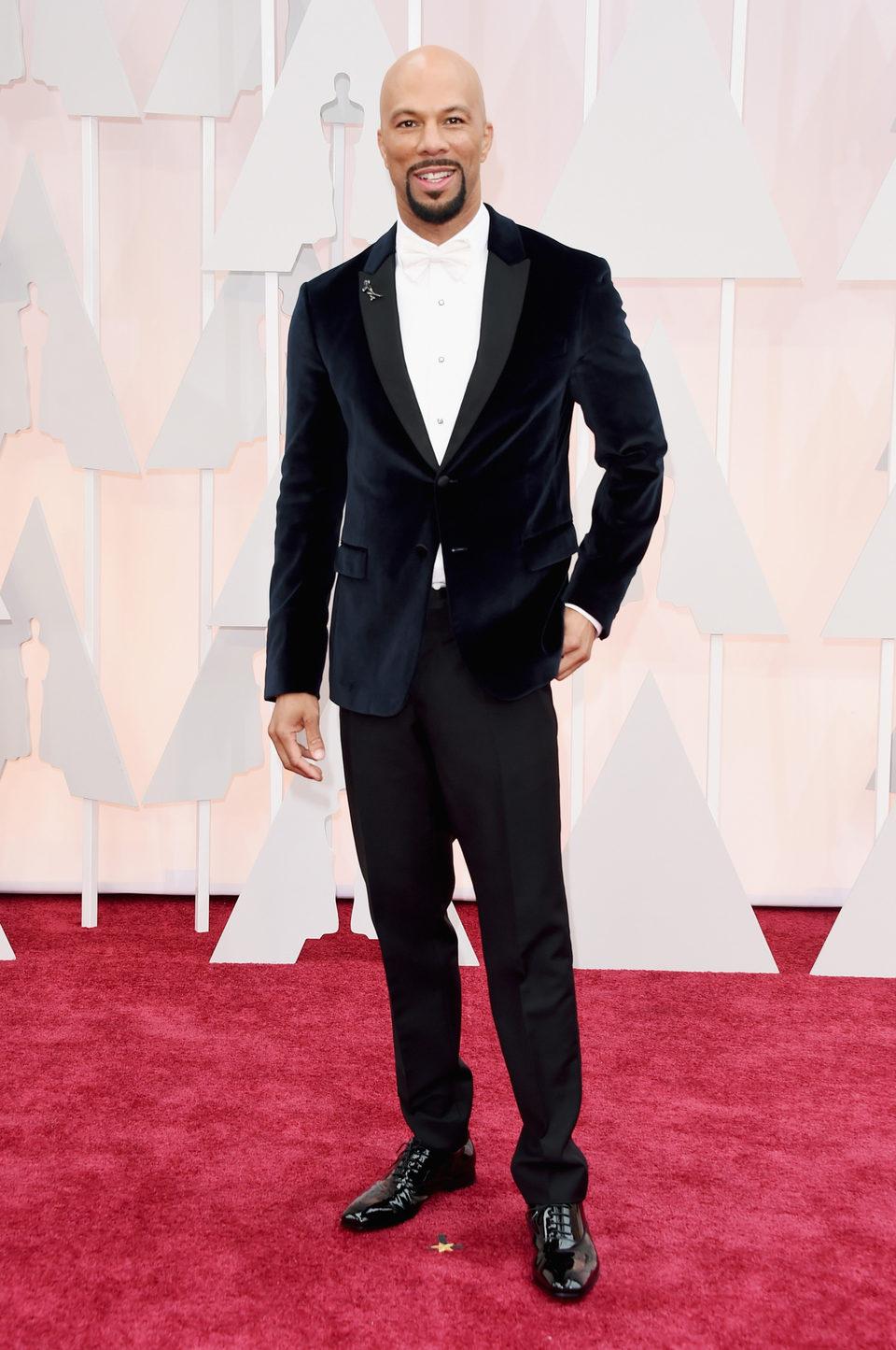 Common en la alfombra roja de los premios Oscar 2015