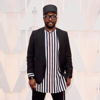 Will i am pose at the red carpet of the Oscar 2015