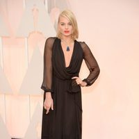 Margot Robbie pose at the red carpet of the Oscar 2015