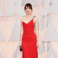 Dakota Johnson en la alfombra roja de los Oscar 2015