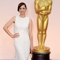 Marion Cotillard at the Oscar 2015 red carpet