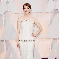 Julianne Moore at the Oscar 2015 red carpet