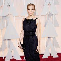 Sienna Miller at the Oscars Awards 2015 red carpet