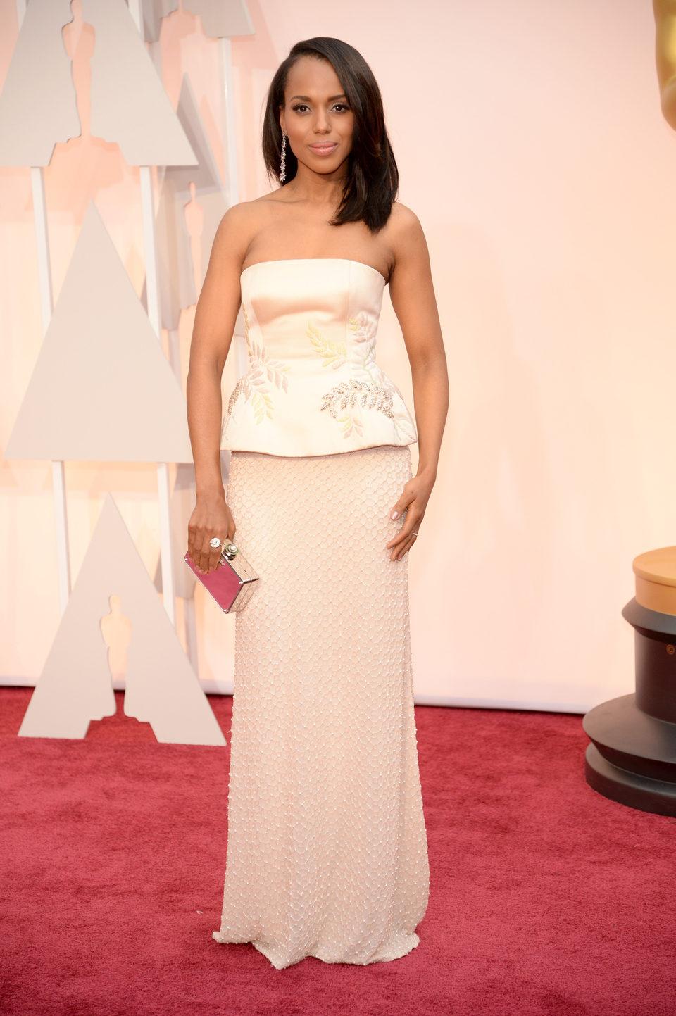 Kerry Washington en la alfombra roja de los premios Oscar 2015