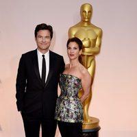Jason Bateman y Amanda Anka en los Oscar 2015