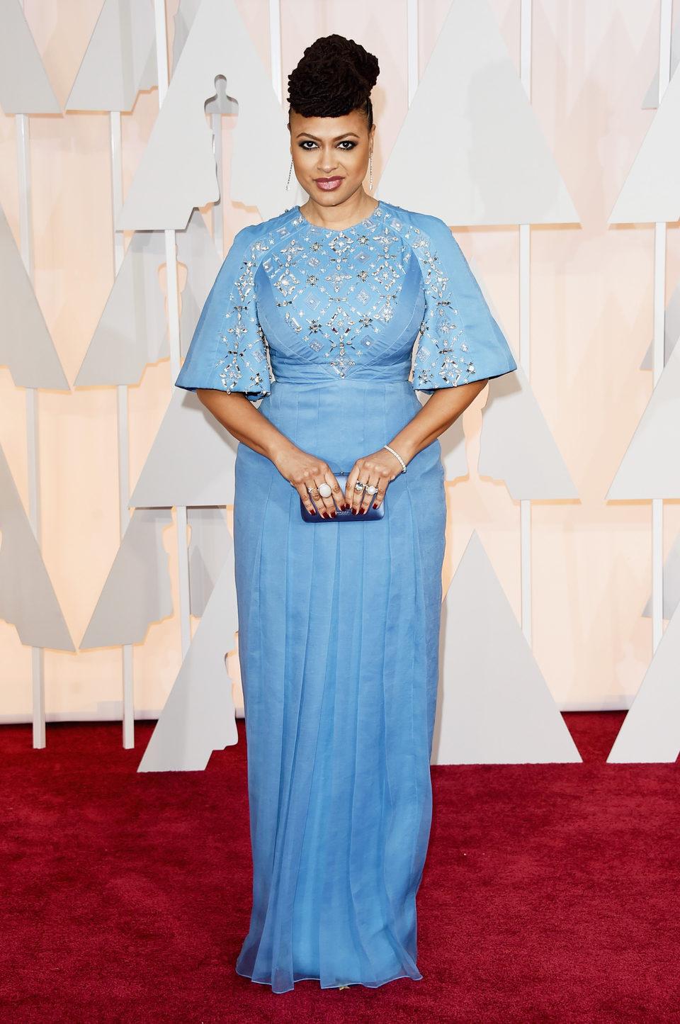 Ava DuVernay posa en la alfombra roja de los Oscar 2015