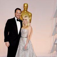 Chris Pratt and Anna Faris pose at the Oscar 2015