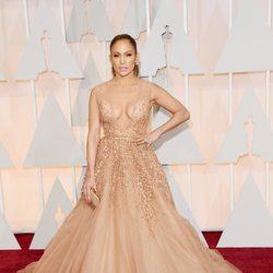 Jennifer Lopez en la alfombra roja de los Oscar 2015