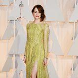 Emma Stone en la alfombra roja de los premios Oscar 2015