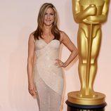 Jennifer Aniston en la alfombra roja de los premios Oscar 2015