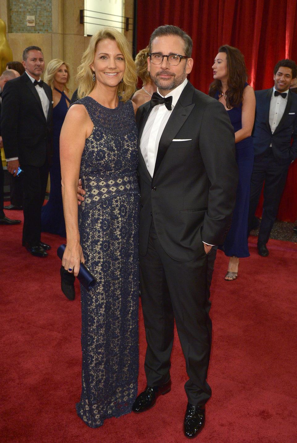 Steve Carell con su mujer Nancy Carell en la alfombra roja de los Oscar 2015