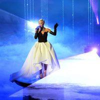 Rita Ora interpreta 'Grateful' en la gala de los Oscar 2015