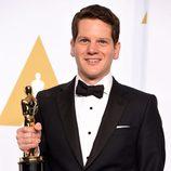Graham Moore posa con su Oscar a Mejor guión adaptado