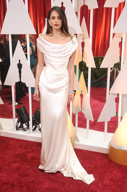 Genesis Rodriguez en la alfombra roja de los Oscar 2015