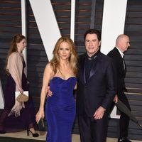 John Travolta y Kelly Preston en la alfombra roja de los Oscar 2015