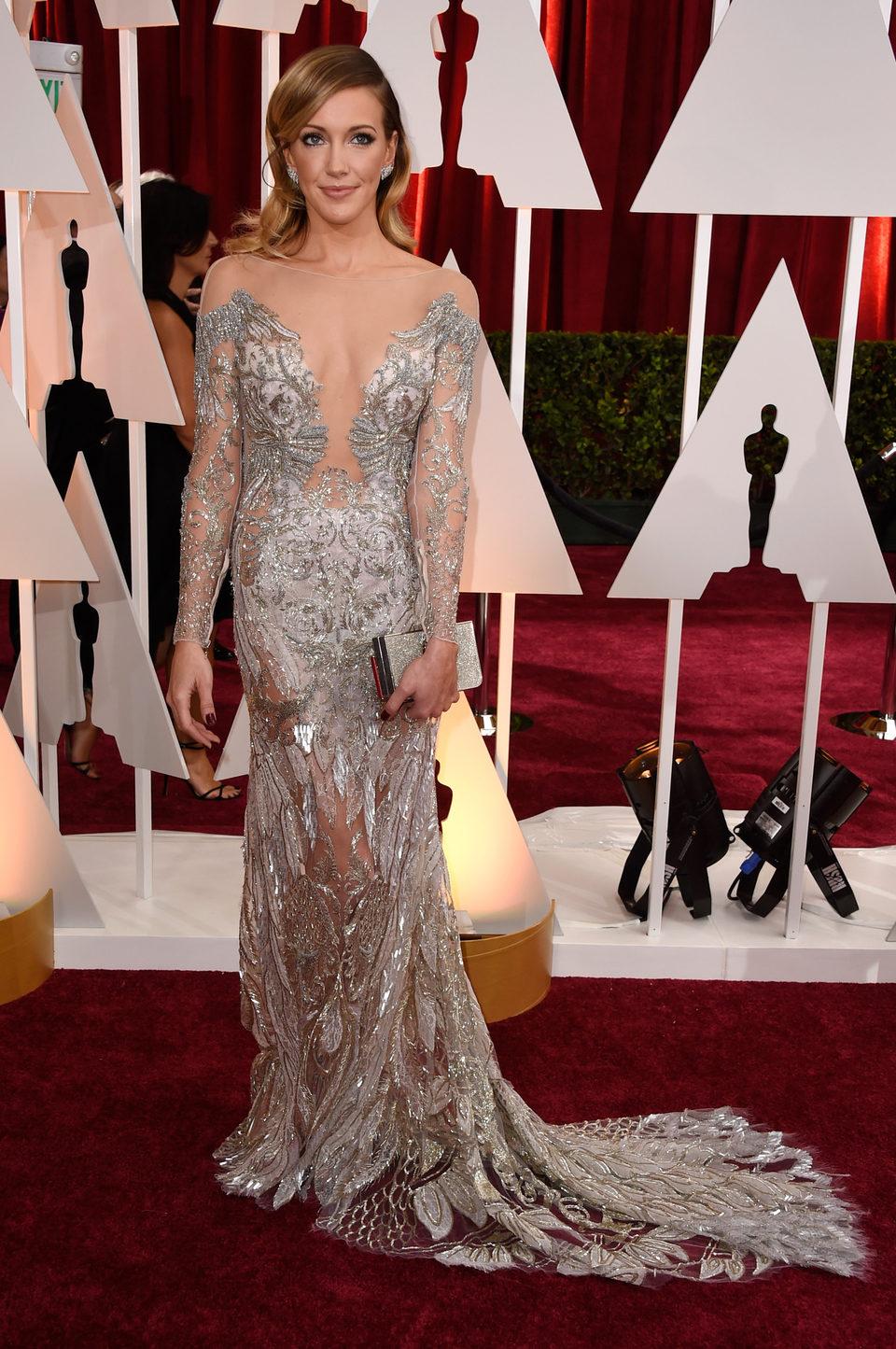 Katie Cassidy en la alfombra roja de los Oscar 2015