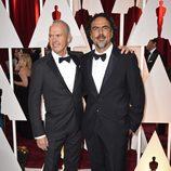Michael Keaton y Alejandro González Iñárritu en la alfombra roja de los Oscar 2015