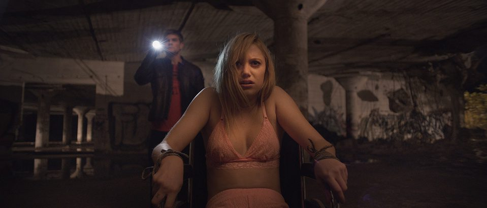 It Follows, fotograma 6 de 9