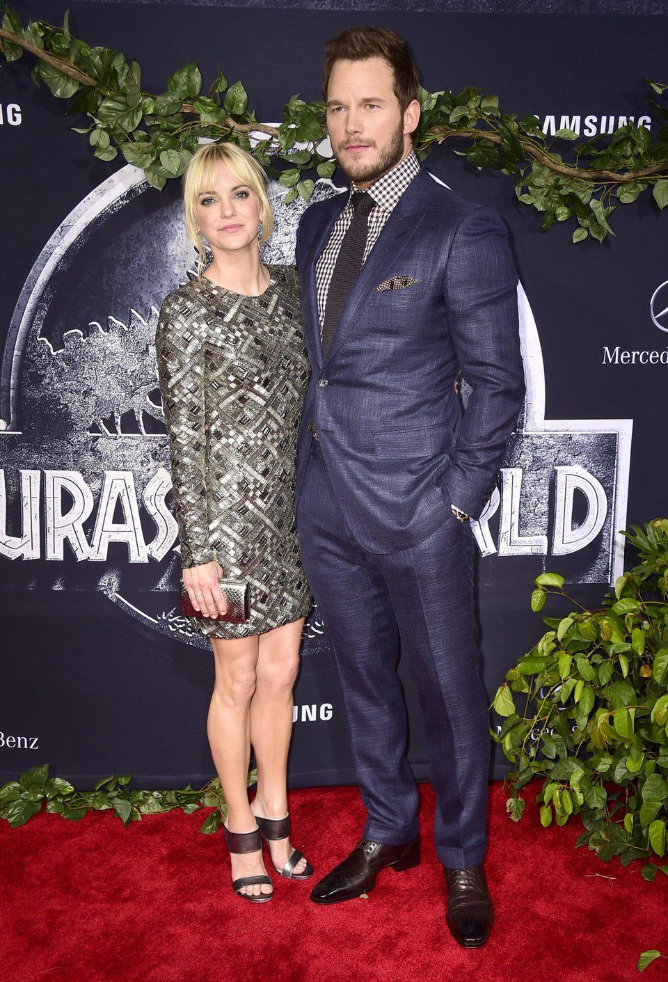 Anna Faris y Chris Pratt en el estreno estadounidense de 'Jurassic World'