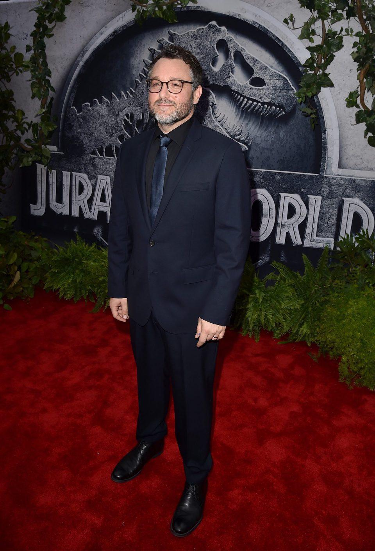 Colin Trevorrow posando en el estreno de su película 'Jurassic World'