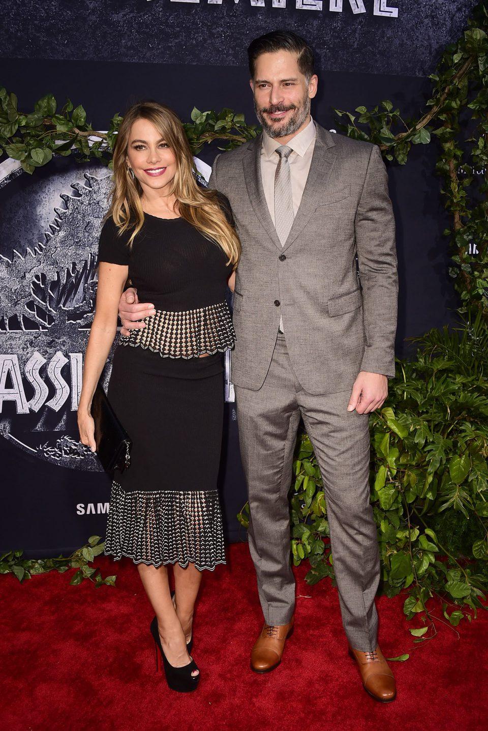 Sofia Vergara y Joe Manganiello posan juntos en el estreno de 'Jurassic World'