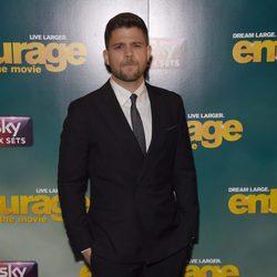 Jerry Ferrera posa en el estreno europeo de 'Entourage'