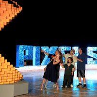 Pac-Man ataca a los protagonistas de 'Pixels' en el Summer of Sony 2015