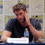 Liam Hemsworth durante la rueda de prensa en la Comic-Con 2015