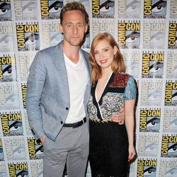 Tom Hiddleston y Jessica Chastain en la Comic-Con 2015
