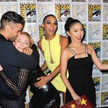Oscar Isaac y Sophie Turner se abrazan en la Comic-Con 2015
