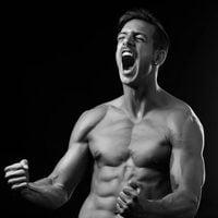 Joaquín Ferreira muestra sus marcados abdominales