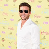 El actor Scott Eastwood, hijo de Clint, en la alfombra roja de los Teen Choice Awards 2015