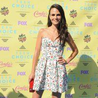 Jordana Brewster posa en la alfombra roja de los Teen Choice Awards 2015