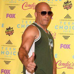 Vin Diesel en la alfombra roja de los Teen Choice Awards 2015