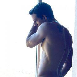 Joaquín Ferreira en calzoncillos durante una sesión de fotos