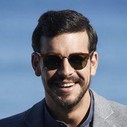 Mario Casas posando en el Festival de Cine de San Sebastián 2015