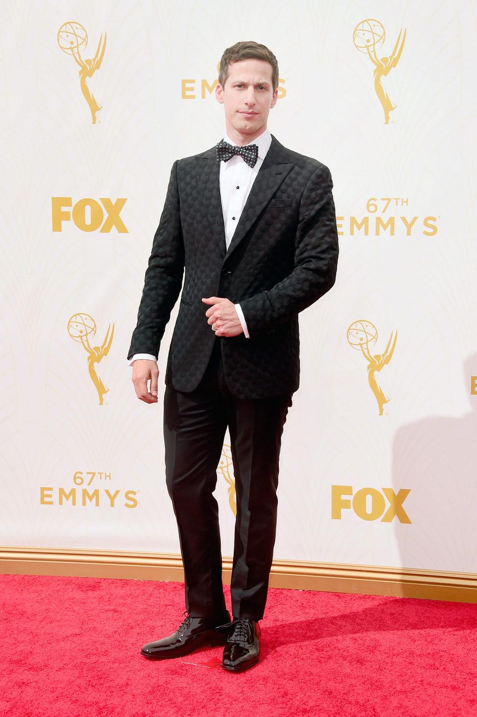 Andy Samberg en la alfombra roja de los Emmy 2015