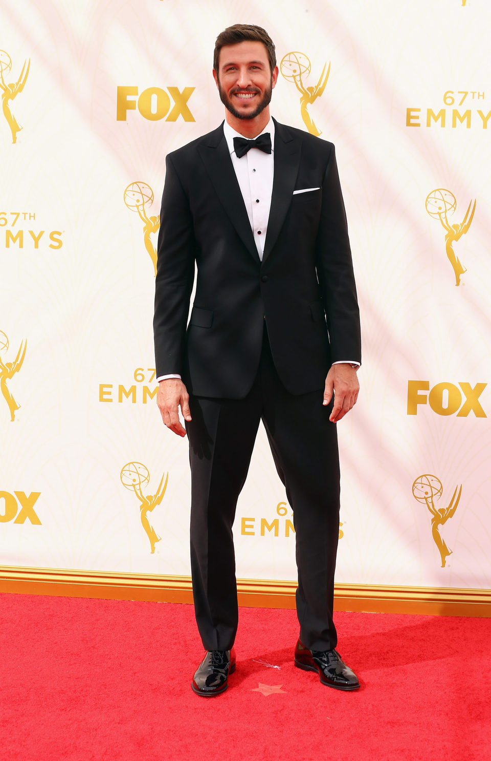 Pablo Schreiber en la alfombra roja de los Premios Emmy 2015