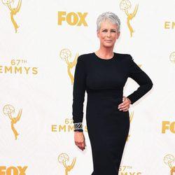 Jaime Lee Curtis en la alfombra roja de los Premios Emmy 2015