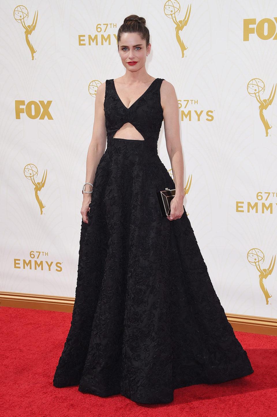 Amanda Peet at the red carpet at the 2015 Emmy Awards