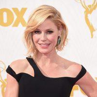 Julie Bowen en la alfombra roja de los Emmy 2015
