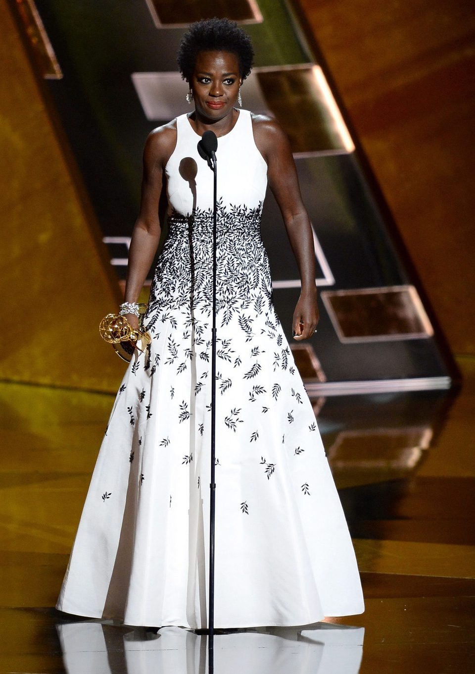 Viola Davis recibiendo el Premio Emmy 2015